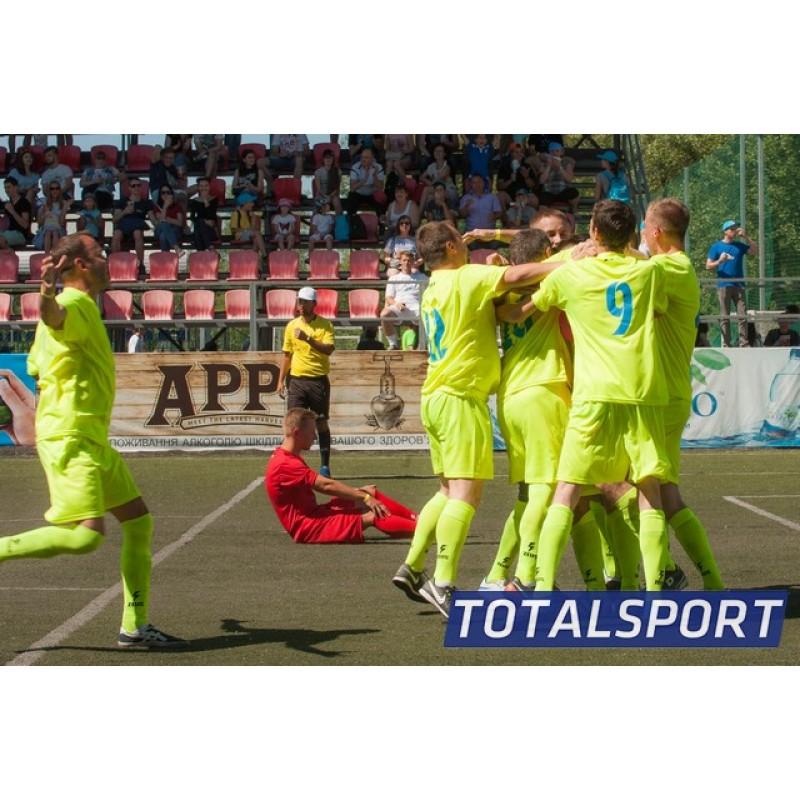 Футбольная форма салатовая Zeus KIT PROMO GIALLO FLUO футболка и шорты Z00262