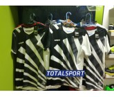 Футбольная форма Europaw 023 черно-белый пример с логотипом