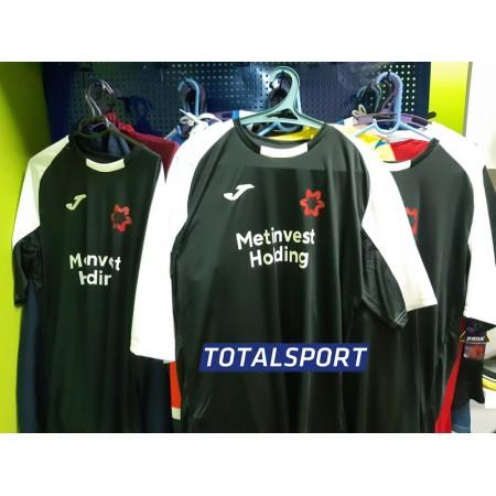 Футболка JOMA ESSENTIAL 101105.102 черная  пример с логотипом