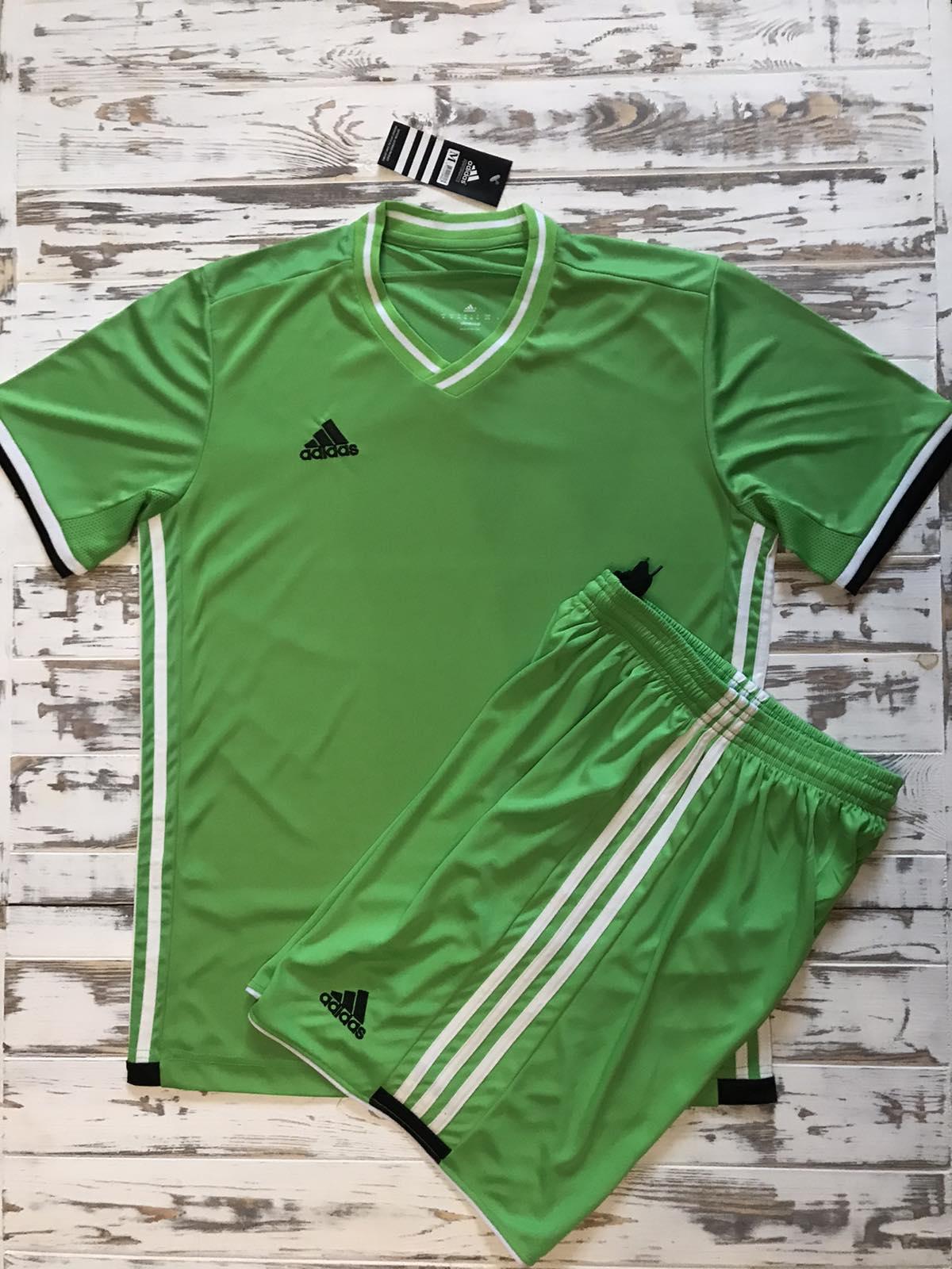 Футбольная форма Adidas 2021 зеленая