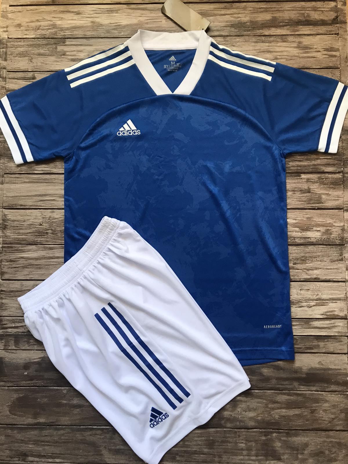 Футбольная форма Adidas 2021 голубая
